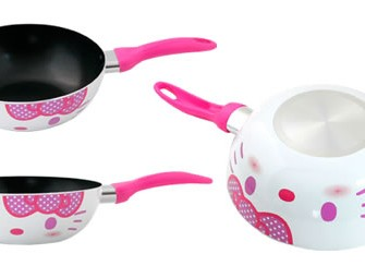 Cook scrumptious food in Hello Kitty Fry Pan