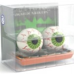 Eyeball-Salt-and-Pepper-Shakers3