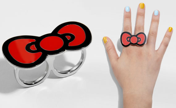 Hello-Kitty-Bow-Brass-Knuckles-Ring