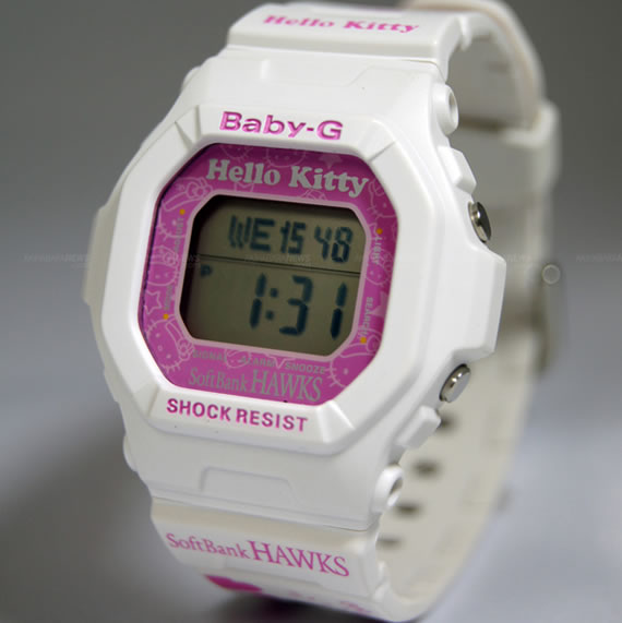 SoftBank_Hawks_Hello_Kitty_Watch_1