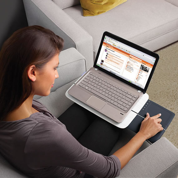 Lapdesk with USB Touchpad keeps you cool and comfy