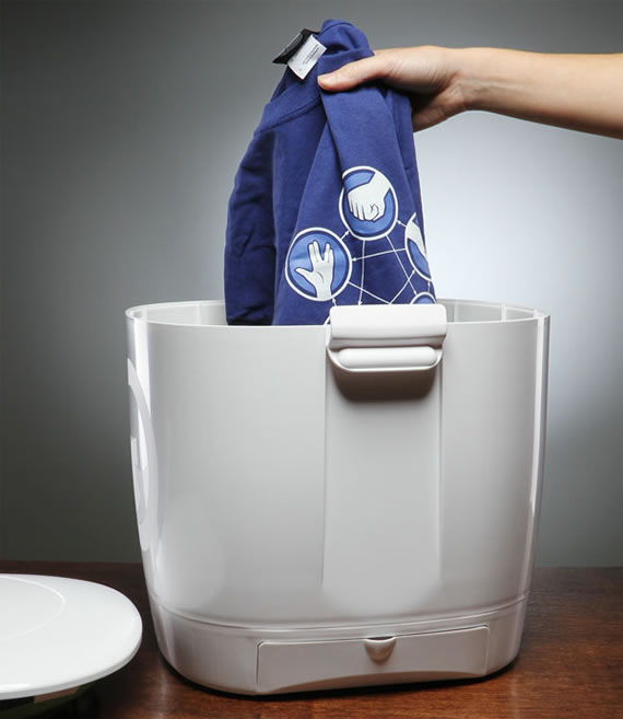 Portable Laundry Pod washes cloths without electricity