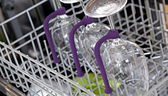 Tether saves your precious wine glasses from ruptures