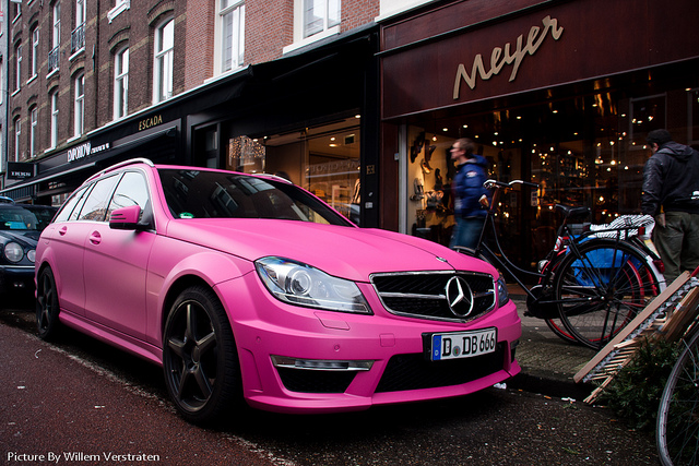 Bright pink Mercedes C63 AMG Estate: do you dare?