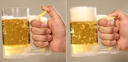 Beer Jug Jokki Hour Foam Maker adds those extra bubbles to your drink