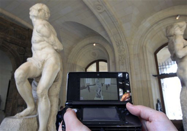 The Nintendo 3DS guides you through the Louvre