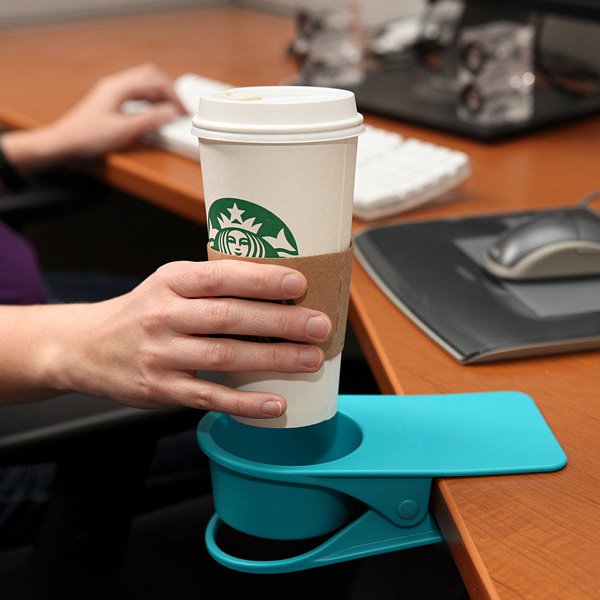 Drinklip Portable cupholder saves your desk from spillovers