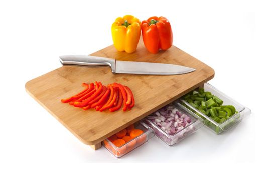 Mocubo cutting board with three containers turns you into a master chef