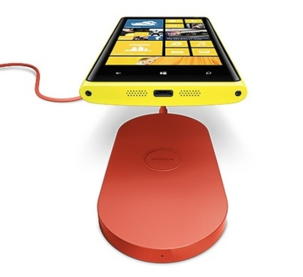 Nokia unleashes colorful and powerful Lumia 920 and Lumia 820 smartphones
