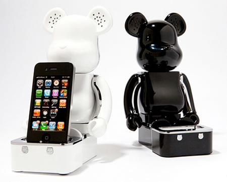 Be@rbrick iPhone/iPod Speaker System…Beat it