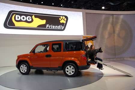Honda lures pet owners with the Dog friendly Honda Element Concept vehicle