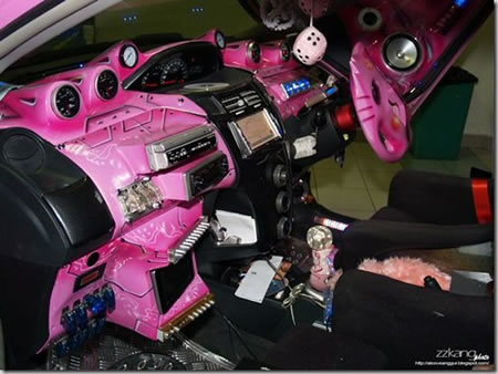 Hello Kitty Steering Wheels adds some cuteness to your car