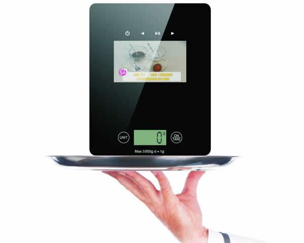 Kitchen Scale with Built-In Video Display