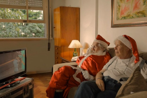 Get Chatting with Santa via Magic Phone Booth