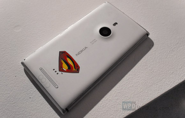 After Batman Nokia Lumia 900, comes Superman-themed Nokia Lumia 925
