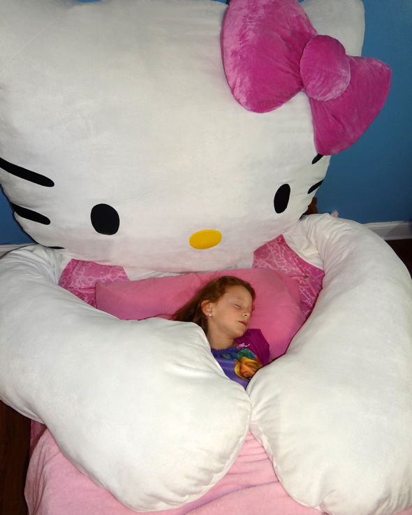 hello-kitty-bed-3