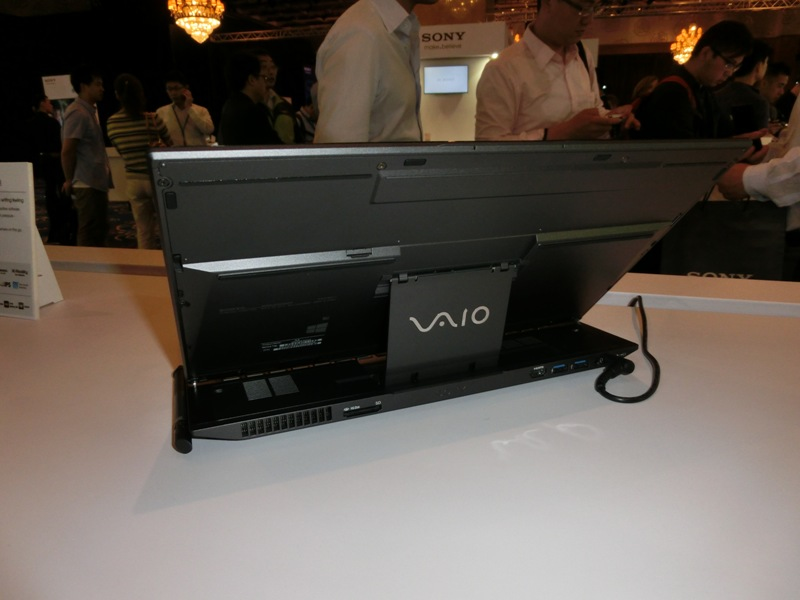 Sony unveils three ultra-light Haswell-powered VAIO notebooks