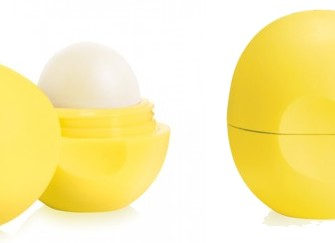 The EOS Lemon Drop Smooth Sphere Lip Balm SPF 15: Natural lemon flavor