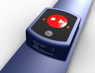Biiwatch the first Wireless Wristhand Remote Control for Smartphone Camera