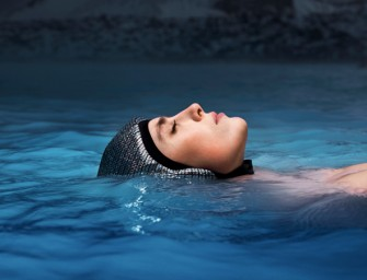 The Floating Cap: you won't have to fear a nose full of pool water ever again