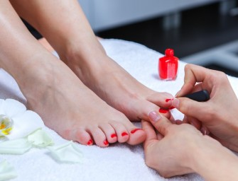 Rich and Successful Women prefer Pedicure Powwows to Power Lunches