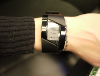 Pulsense Smartwatch tracks your Fitness