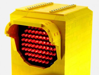 Fully-Functional LEGO Traffic Signal Lamp: Kitschy décor