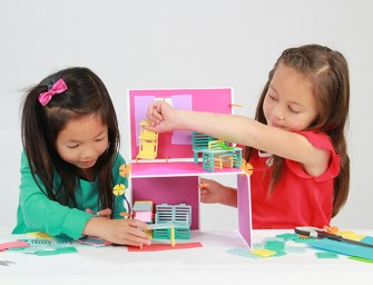 Little Girls Wire their Own Dollhouse with Roominate Engeneering Toy