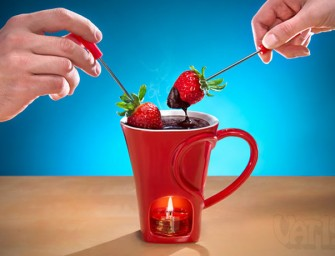 Enticing: Sweetheart Chocolate Fondue Mug Set for You and Your Loved one