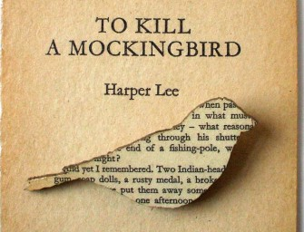 Artist converts pages of old Classic Literature into beautiful Brooches