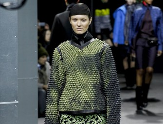 Alexander Wang's Autumn/Winter 2014 collection Showcases Heat-activated Clothing