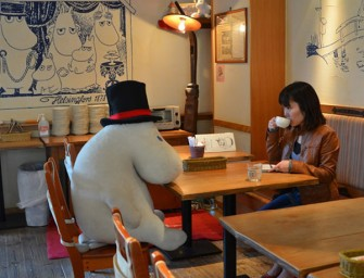 Moomin Cafe lets solo diners eat with stuffed toys!