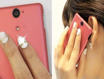 Stick-On LED Nails that light up with NFC