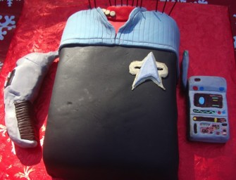 Sweet Final Frontier: Star Trek Deep Space Nine Uniform Cake