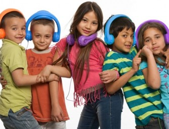 First-ever mono body foam headphones are designed for kids