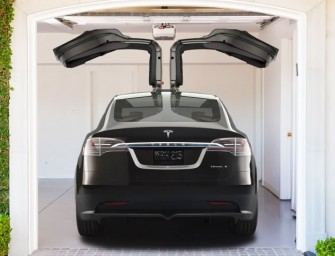 The Tesla Model X has been redesigned, but it's still a woman's car