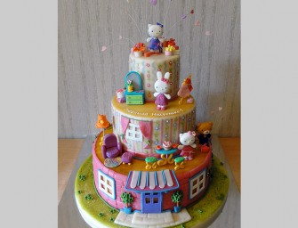 Hello Kitty And Friends Cake Looks Adorable