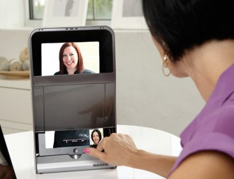 iTOi Booth iPad Case makes FaceTime old­school, but efficient