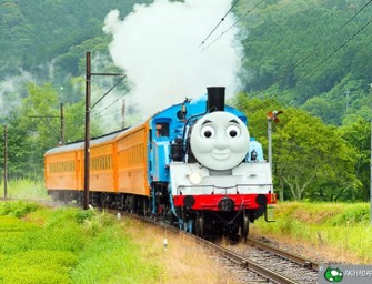 Life-size Thomas and Friends Train tracking it's way in Japan