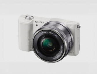 Sony A5100 packs world's smallest lens and quick autofocus