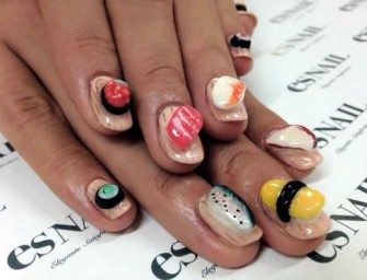 Japan Goes Gaga over Sushi Nail Art