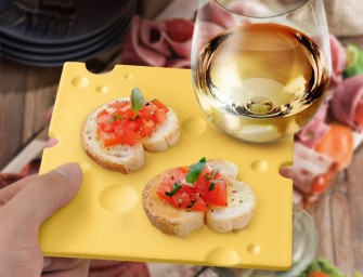Fred and Friends SWISS DISH Appetizing Party Plates: The need-a-free-hand party problem solver
