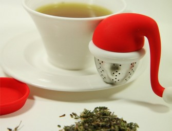 Bring in the Christmas Cheer with the Santa Tea Infuser