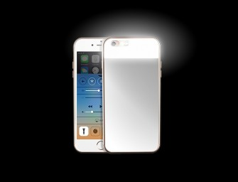 The Lighted Mirror Phone Case: A protective cover and compact mirror with perfect lighting all in one