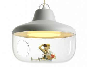 This lamp can treasure your favorite things!