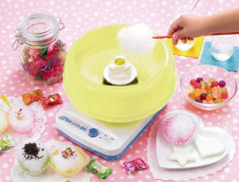 The New Ame de Wataame Cotton Candy Maker lets you make yummy candy floss at home